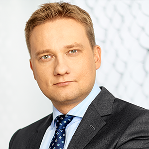 Michał Lis Associate Director in Office Leasing Department, JLL