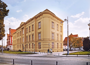 Revitalization of a Wrocław office building overlooking the Oder river