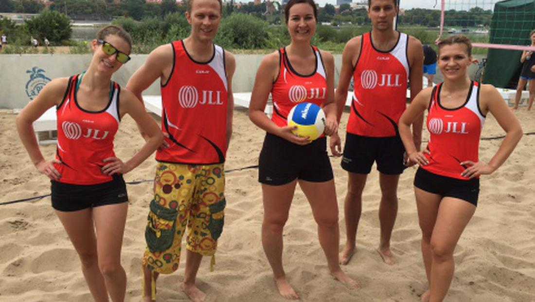 Volleyball, thanks a million! The real estate industry sets a charity record