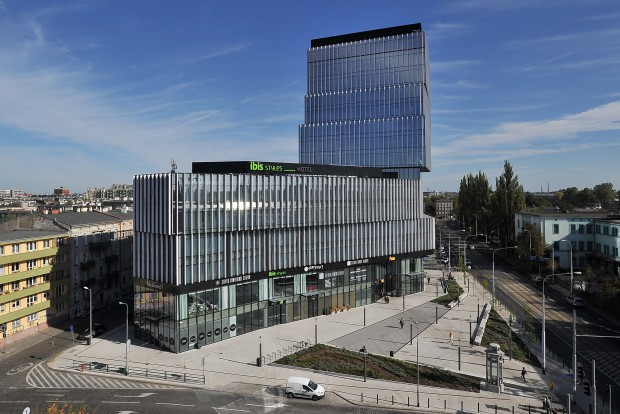 Red embedded to launch r d centre in wroc aw news for Silver towers leasing office